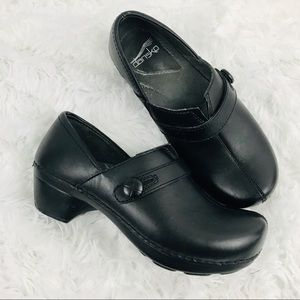Dansko classic leather black clogs size 6